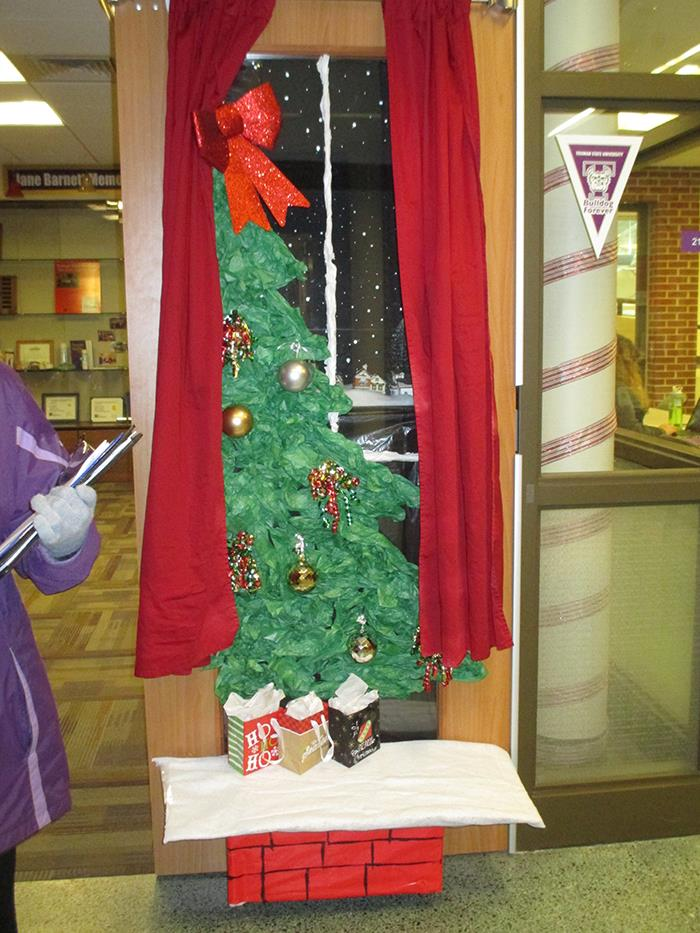 holiday door decorating contest winner vol 21 no 16 december 12 2016 truman today announcements